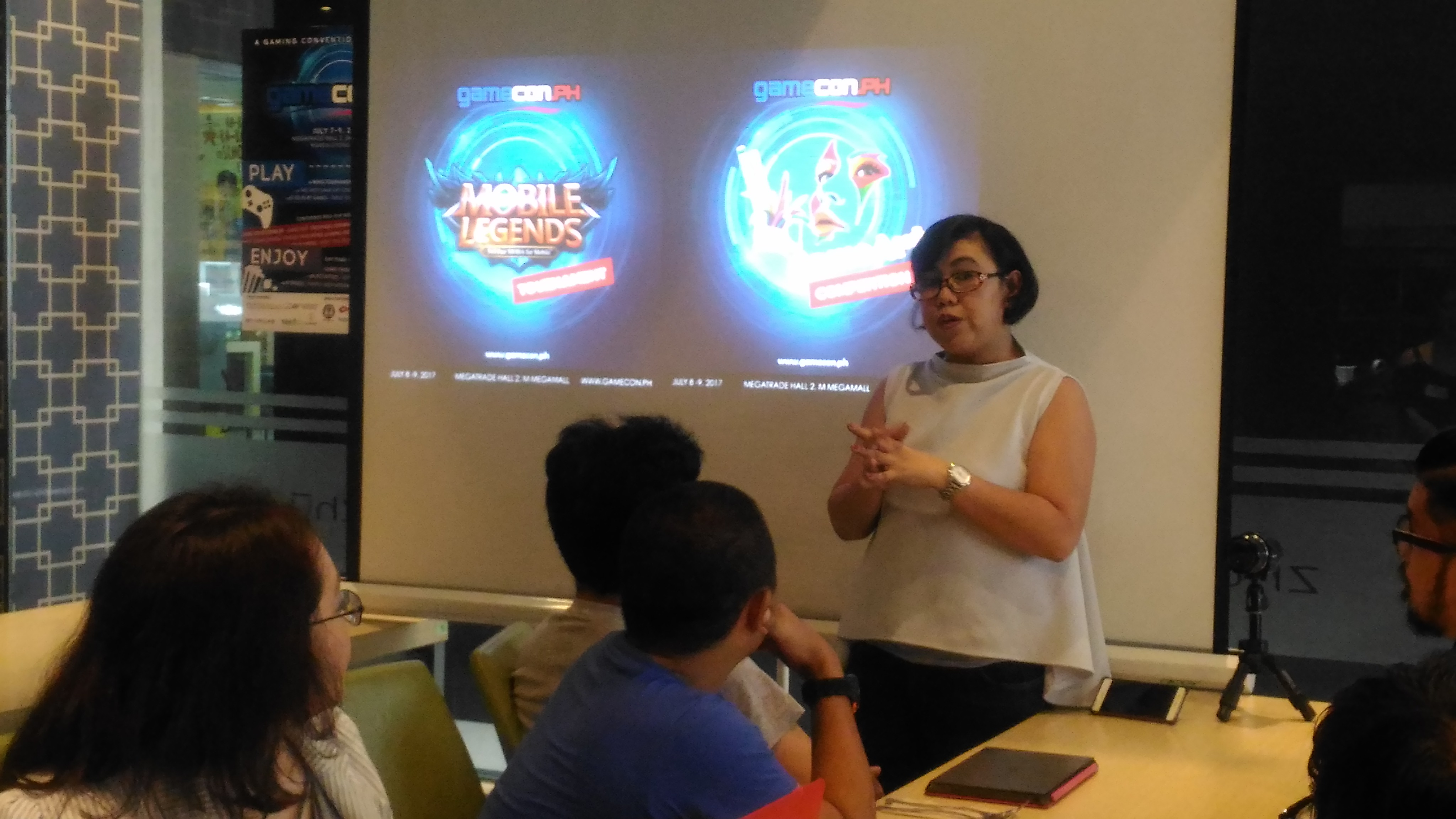 Ms Elaine Cedillo discussing about what's happening during #GameConPH during their media launch. To all Mobile Legends fanatics, rejoice coz there's a competition happening on #GameConPH!